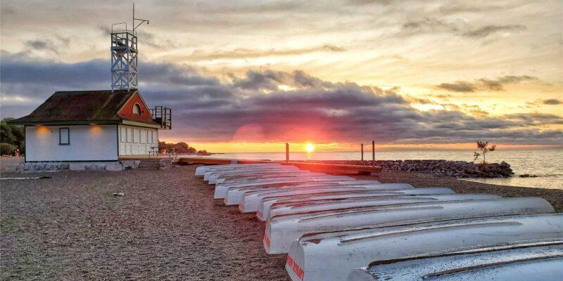 Leuty Lifeguard station at sunrise